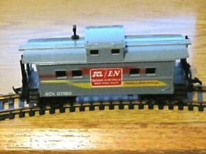 LIFE LIKE CABOOSE HO scale SCL/L&N #SCL01160  FAMILY LINES