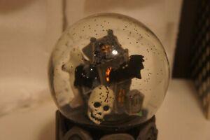 2011 Slatkin & Co Halloween Haunted House Snow Globe Spooky Scary Decoration
