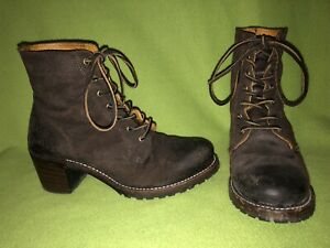 Brown Frye Sabrina Lace Up Ankle Boots 9