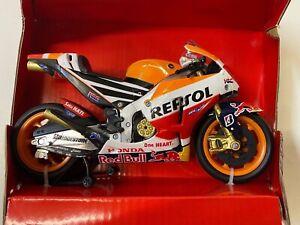 Repsol Honda Marc Marquez 93 1:12 Modell New Ray MotoGP Modellmotorrad Motorrad