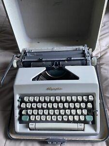 Working Vtg Olympia De Luxe SM8 SM9 Portable Typewriter Case 1960s Turquoise Std