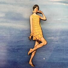 BROOCH Flapper girl Retro style wooden pin 1920s Fashion wood jewellery
