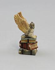 Miniatur Porzellan Figur Eule auf Büchern 9982185