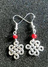 Chino * Endless Knot Sagrada Budista símbolo * rojo granos de plata tibetana pendientes