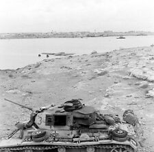 WW2 Photo WWII  Destroyed German Panzer Western Desert 1942  Pzkpfw. IV   / 4148