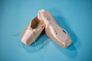 FREED of London Pointe Shoes - Maker A, 4.5, X, Wing Block, 2.5 Shank