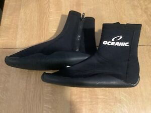 Diving equipment..Oceanic dive boots size 9