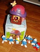 SMURFS SCHLEICH PEYO CREATIONS PINK HOUSE AND 7 ASSORTED SMURFS LOT DATED 2007