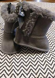 Baby Girl Size 1 Koala Bear Boots Faux Fur Gray Bows