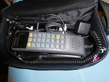 RETRO MOTOROLA CAR BAG PHONE CELLULAR CLEAN VINTAGE ELECTRONICS