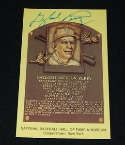 Gaylord Perry San Francisco Giants Signed Yellow HOF Plaque Postcard-NM