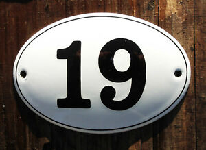 HOUSE NUMBER 19 CLASSIC ENAMEL SIGN. BLACK No.19 ON A WHITE BACKGROUND. 12x8cm.