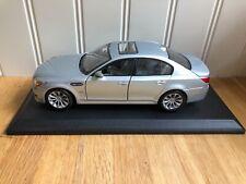 Maisto Stunning BMW M5 SMG E60 1:18 V10