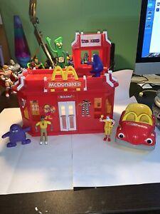 2003 Vintage McDonalds Restaurant Play Place Drive Thru Playset Toy Accessories