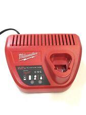 Milwaukee M12 C4 Muliti Ladegerät Laden Gerät für Maschinen