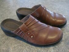 Womens CLARKS Prarie Flower Brown Leather Slip On Shoes Size 7.5 M Very Good