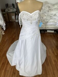 #287 Forever Yours White Wedding Gown Beads! Size 6 NWT