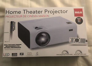 RCA Home Theater Projector RPJ136    NEW!