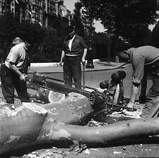 PARIS c. 1948 - Bûcherons  Scie Mécanique  Bd Pereire - Négatif 6 x 6 - N6 P144