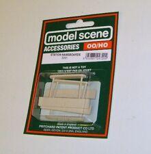 Modelscene Accessories 5091 - Station Nameboards x (00) - Railway Models