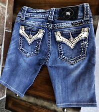 AUTHENTIC BUCKLE MISS ME BERMUDA JEAN SHORTS 25 W13/L9.5/R7 CUTE ACCENTS 💓💓💓