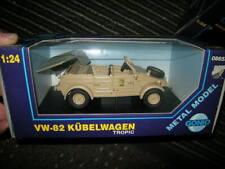 VW Kübelwagen Typ 82 1:43 Fertigmodell aus Metall in Displayvitrine
