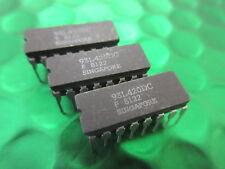 F93L420DC, 93L420DC 256X1 completamente decodificato RAM in ceramica VINTAGE ** 2 FICHES ** £ 3.00ea