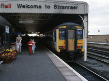 PHOTO  1989 STRANRAER RAILWAY STATION 1989 A 2-CAR CLASS 156 APPEARS TO HAVE JUS