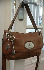 Fossil leather maddox messenger bag handbag. VERY GOOD CONDITION.