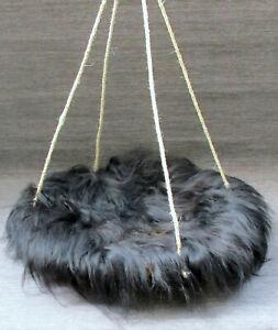 Katzenschaukel /Bett Wasserhyazinthe  50cm/ echtes Island Schaffell schwarz