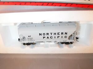 Intermountain HO Northern Pacific NP 34' ACF 2-Bay Cov Hopper Cement Gray #75751