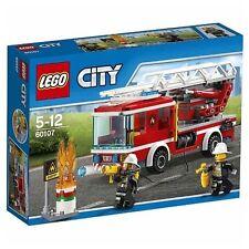 LEGO Camión de Bomberos con Escalera y Manguera Incluye 2 Figuras Juguete Niño