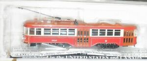 Bachmann N scale  -  Chicago Surface Lines - Peter Witt Streetcar - DCC -84652