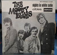 SP 45 TOURS VINYLE , THE MOODY BLUES , NIGHTS IN WHITE SATIN .EX / VG+ LANGUETTE
