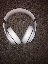 Wireless White Studio 2 Beats Model #B0501 Used But Mint
