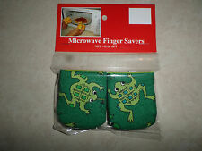 Frogs On Green Cotton-Microwave Oven Mitts-Hot Pads-Pot Holder-Pattys Mitts