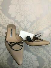 MANOLO BLAHNIK Beige Leather w/ Bow Pointed Toe Slide Mule Heels Sz 38/US 8 $600