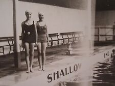VINTAGE ANTIQUE SHALLOW END POOL SWIMMERS PAIR GIRLS ELKO WATERS FOUND OLD PHOTO
