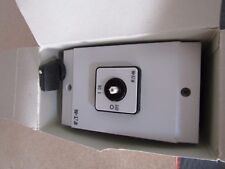 Eaton 6 Pole Enclosed Non-Fused Switch Disconnector NO/4NC 25Adc 22kW A8 4316551
