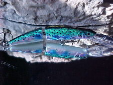 Challenger Deep 20-25/'Jointed Minnow MG010DF#071 in Rainbow Metallic Bass//Pike