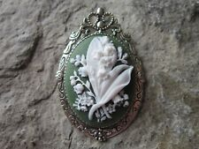 2 IN 1 - LILY OF THE VALLEY CAMEO BROOCH - PIN - PENDANT - WHITE/GREEN
