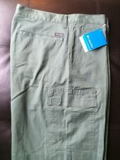 NWT Columbia Dog Lake Cargo Shorts Mens Size 32 X10 Green Y4
