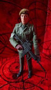 DOCTOR WHO CLASSIC FIGURE SERGEANT JOHN BENTON U.N.I.T. CLAWS OF AXOS 1971