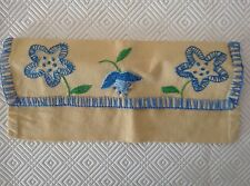 RANGE SERVIETTE jaune bleu  ANCIEN BRODÉ MAIN  FLEURS