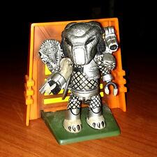Mezco: MEZ-ITZ PREDATOR mini figure - RARE