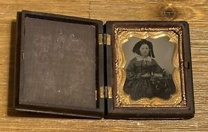 ANTIQUE TINTYPE 1/9 PLATE PHOTO WOMAN GUTTA PERCHA CASE