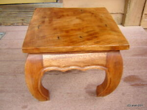 fancy vintage small solid Mahogany Bow-Leg COFFEE/END TABLE arts/craft style