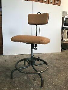 "Chaise industrielle FLAMBO - ""Royale"" (M42)  design: Henri Liber"