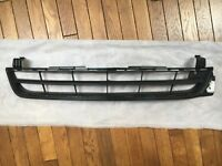 Lower Front Grille for 2013 Chevrolet Malibu (22869137)