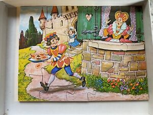 """Victory Hand-Cut Wooden Jigsaw Puzzle #7220 – """" Queen Of Hearts"""" (England, 1979)"""